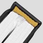 (104) złoty