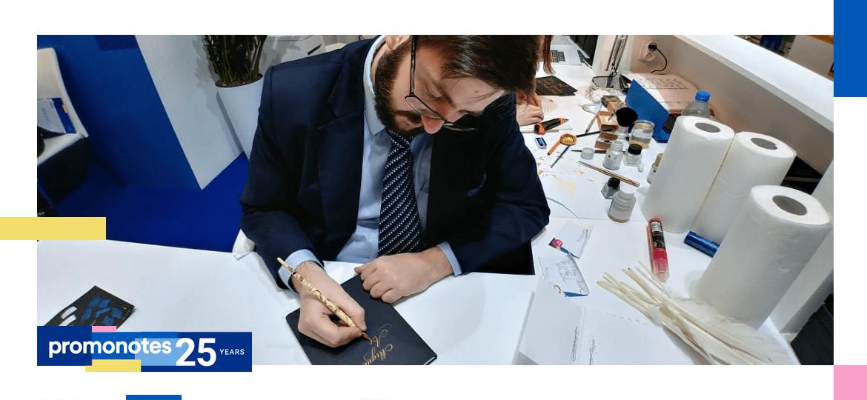 Pismo to dla mnie obcowanie z pięknem. Wywiad z kaligrafem Grzegorzem Barasińskim.